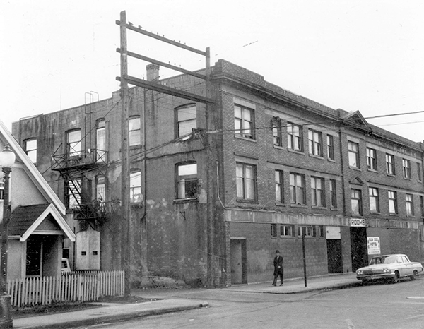 Photograph shows the back of the building and 208 - 214 Union Street, (Porters Club Building).